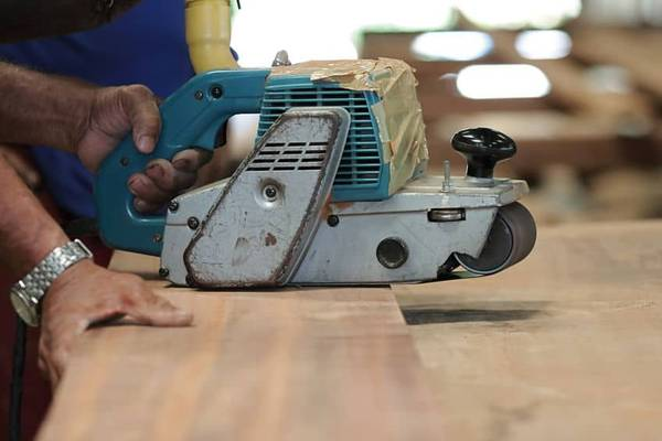 Bench-Grinder-vs-Belt-Sander-Which-is-Better-for-You
