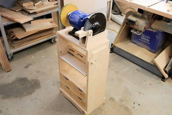 How-Do-You-Make-a-Bench-Grinder-Stand-4-Easy-Tips