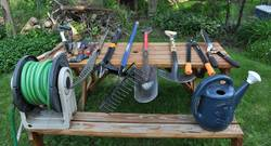 How-to-Large-Sharpen-Garden-Tools-With-a-Bench-Grinder
