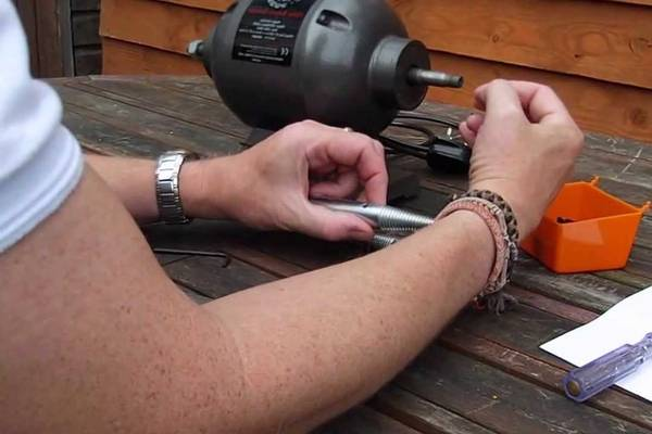 How-to-Put-a-Buffing-Wheel-on-a-Bench-Grinder