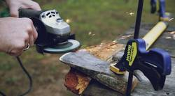 How-to-Sharpen-an-Axe-With-a-Grinder